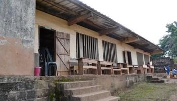 Gabon: l'AFD va aider le gouvernement de Julien Nkoghe Bekale à construire 500 nouvelles salles de classes (primaires et collèges), à Libreville et Port-Gentil