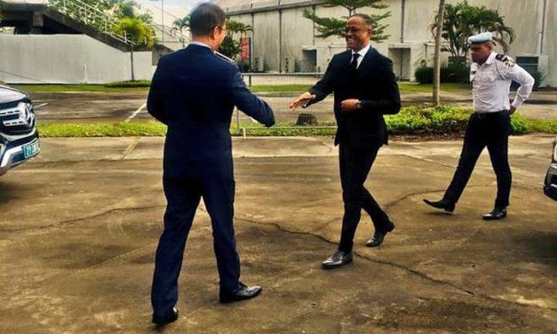 Gabon:la pique deMaysMouissyà FranckNguema