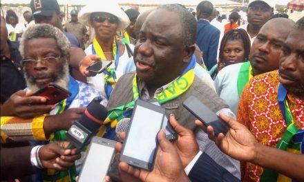 Gabon: Dynamique Unitaire déterre la hache de guerre contre le gouvernement Julien Nkoghe Bekale
