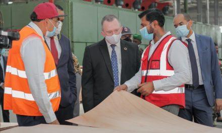 Communiqué de presse : Lee White a visité des unités de transformation de bois