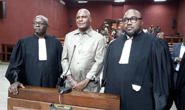 Gabon: Bertrand Zibi Abeghe écrit à Iba Ba