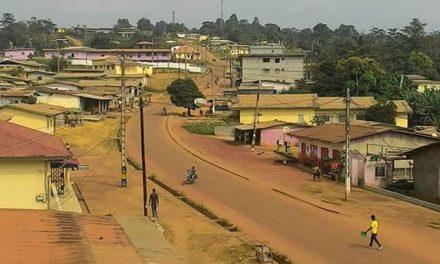 Gabon: Nestor Ayi offre un bâtiment au CES d'Ebomane ( Minvoul)
